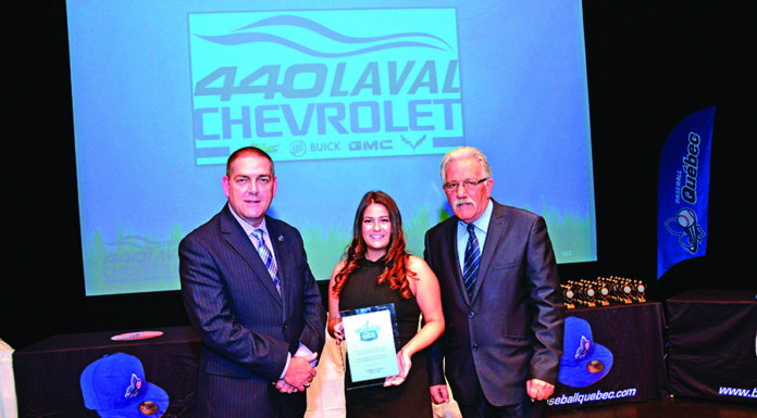 Kiana Pagé-Lajoie, from 440 Laval Chevrolet, Baseball Laval president Richard Saint-Amour left, and the organization's vice-president Jacques Continelli.