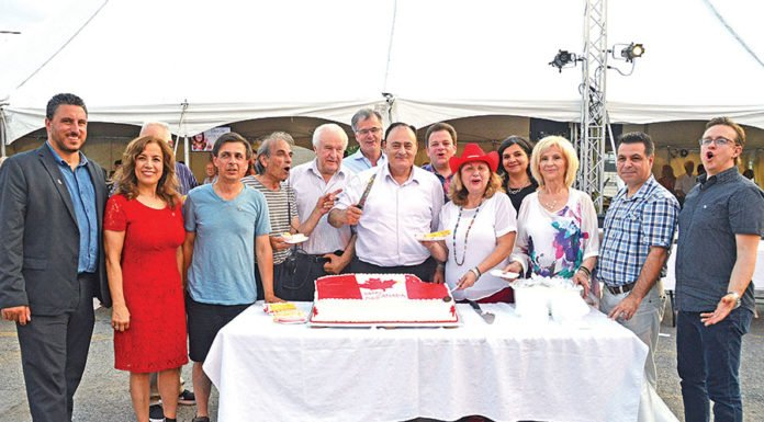 Partyers celebrate Canada, while paying homage to Greek heritage at the Laval Hellenic Summer Festival 2018