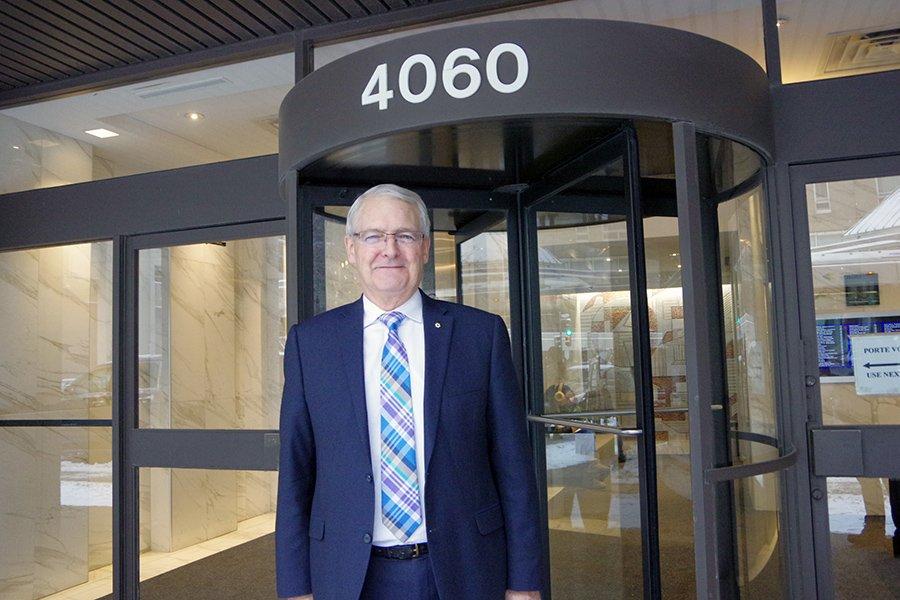 Transport Minister Marc Garneau supports 'Lunar Gateway'