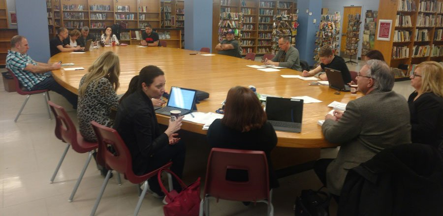 40 teachers show up at meeting of Laval Senior Academy Governing Board