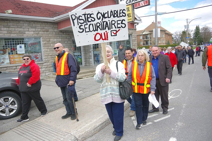 Vimont residents stage protest over unpopular bicycle path