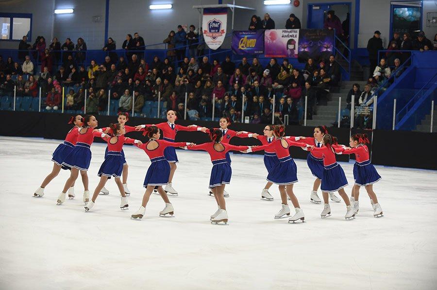 Les Pirouettes de Laval skate to provincial gold