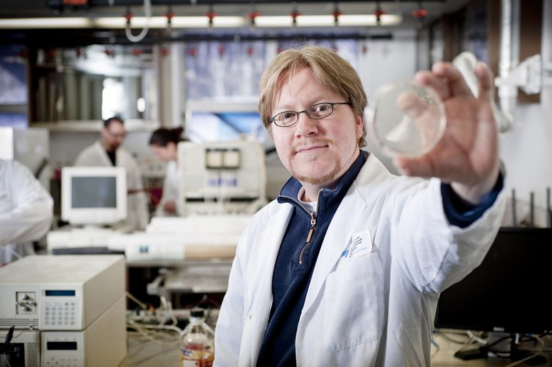 INRS researchers involved in work to create a COVID-19 vaccine