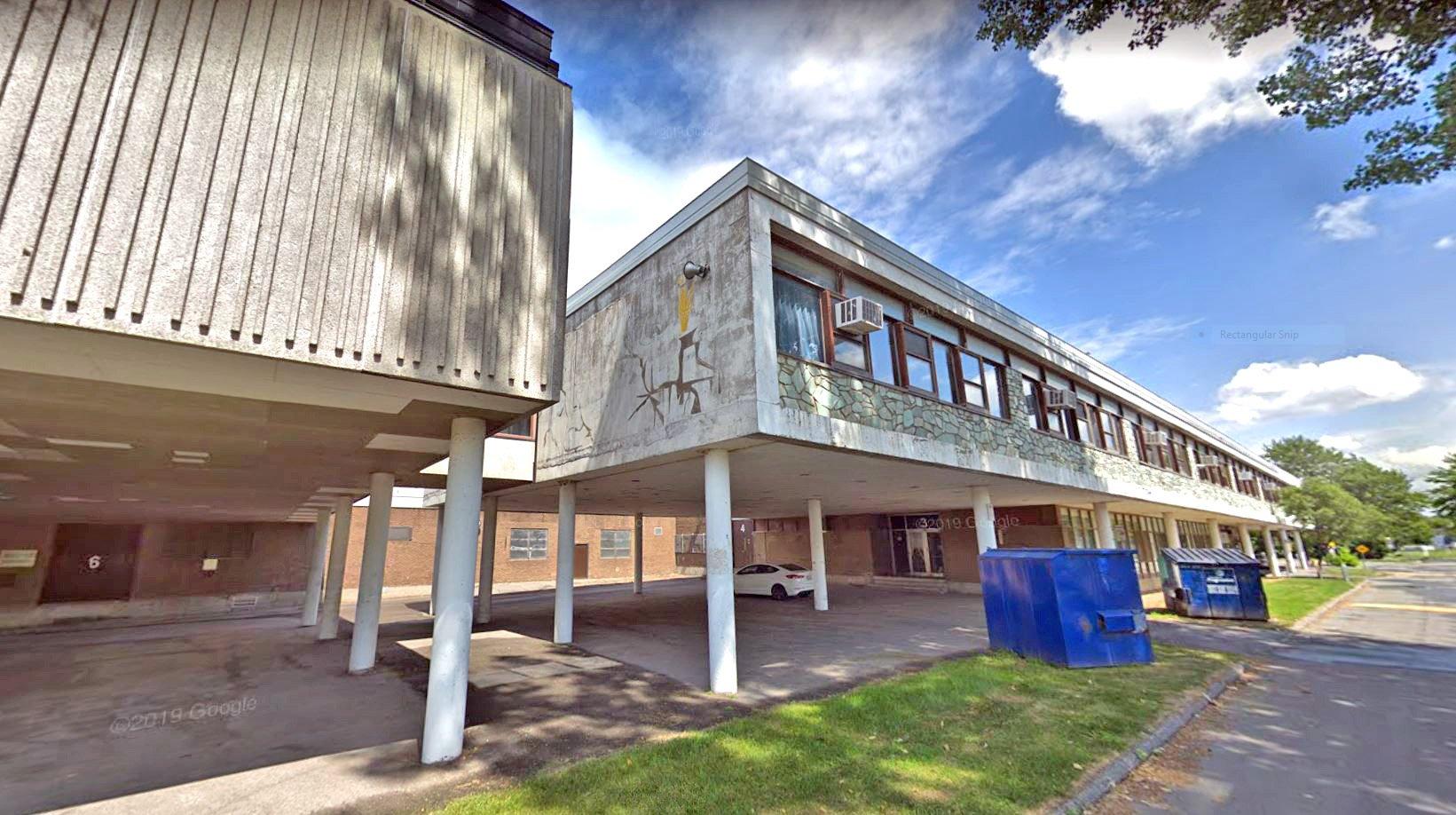 COVID preventive measures taken at École secondaire Saint-Maxime